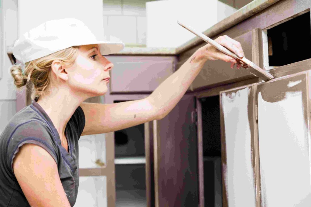 Questions To Ask Before Refinishing Your Kitchen Cabinet